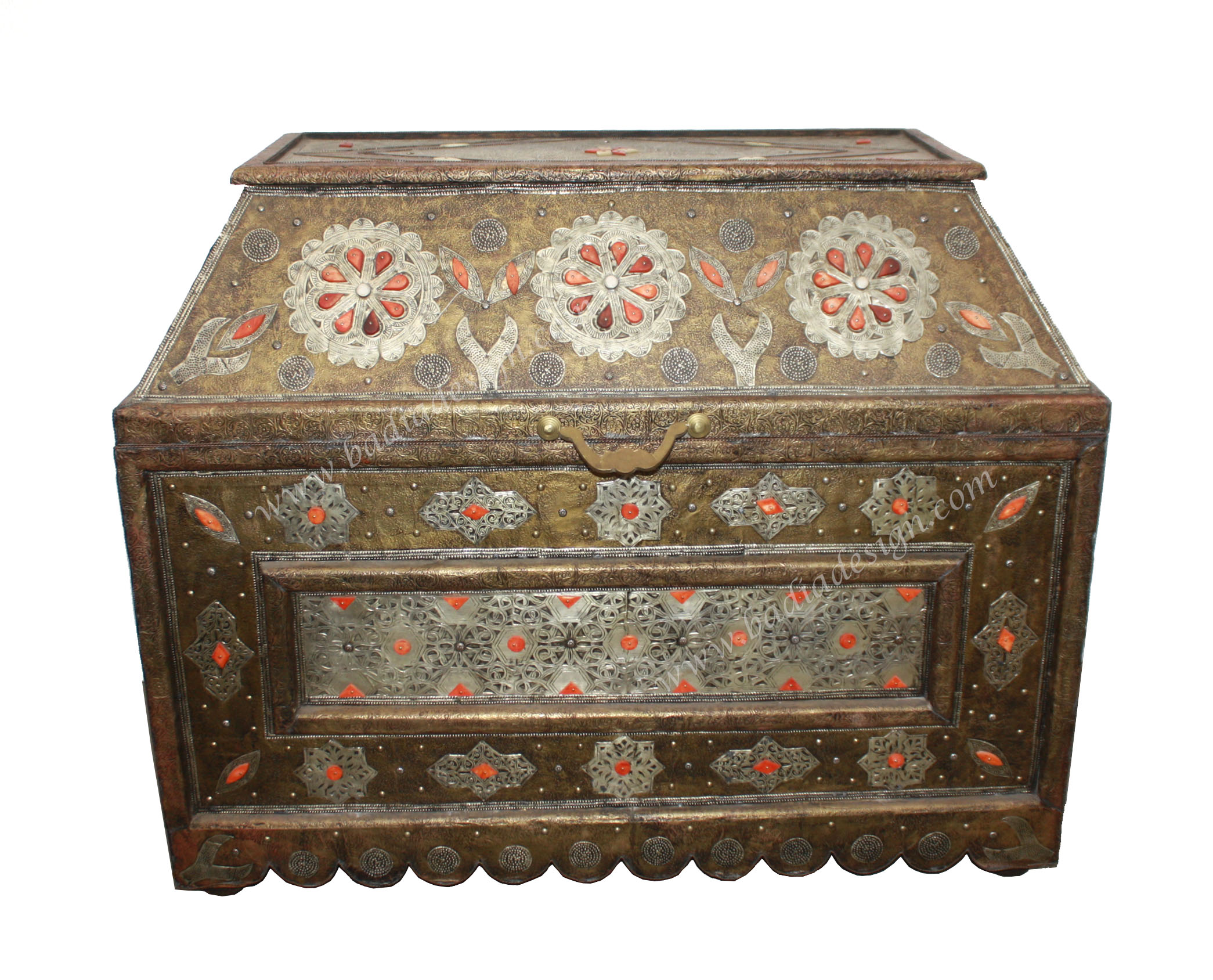 moroccan-metal-storage-trunk-mb-t008-1.jpg